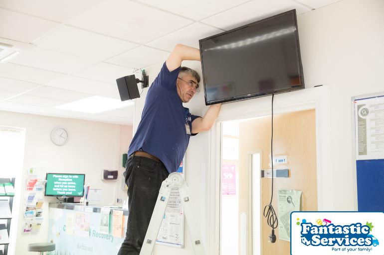 TV mounting by Fantastic Handyman 3