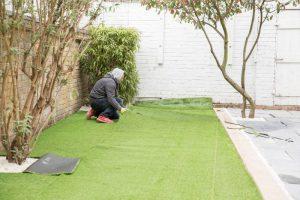 fitting astro turf in clapham sw4