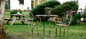 rusty metal furniture - how to remove rust