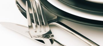 Hot to clean stainless steel cutlery