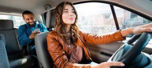 Woman_driving_uber