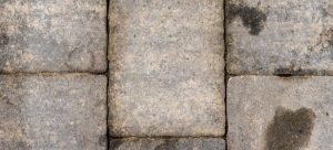 Oiled pavement block cleaning